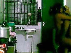 রাবার পিতা প্রসাব দেশি মেয়েদের চুদা চুদি করা গ্রস্ত রাবার PODMYUDKA সঙ্গে একটি ক্রিস্টাল!
