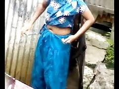 বাড়ীতে তৈরি বাংলা চুদা চুদি ভিডিও