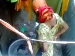 চাঁচা ডগী-স্টাইল চুদা চুদির বাংলা ভিডিও
